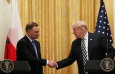 Ba Lan sẵn sàng chi 'hàng tỉ USD' để xây 'pháo đài Trump'