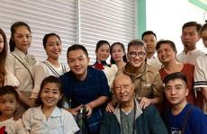 Diễn viên Lê Bình, Mai Phương rơi nước mắt vì 'Tình nghệ sĩ'