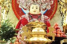 Nghỉ lễ 2-9, du khách nườm nượp đến núi Sam cầu may