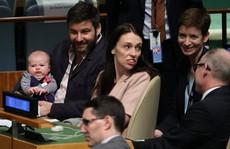 Thủ tướng New Zealand ẵm con đi họp Liên Hiệp Quốc