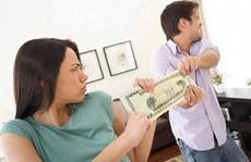 'Tuyệt chiêu' để chồng tự giác đưa tiền cho vợ