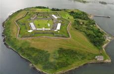 Nhà tù 'địa ngục' hút khách giữa đảo thiên đường