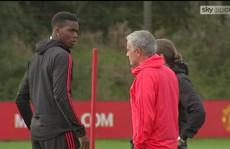 'Sừng sộ' với Mourinho trên sân tập, Pogba bị chỉ trích