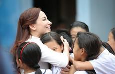 Phi Nhung với tâm nguyện xây trường cho những đứa trẻ bị bỏ rơi