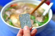 Những quán ăn phải xếp số nhưng vẫn nườm nượp khách ở Hà Nội