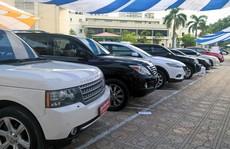 Ô tô cũ khan hiếm lạ thường, muốn mua phải tốn thêm cả trăm triệu