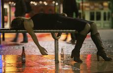 Người có thể 'biến đổi gen' vì uống rượu