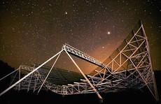Bùng phát tín hiệu vô tuyến bí ẩn cách xa trái đất 1,5 tỉ năm ánh sáng