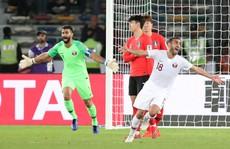Clip: Cú sút sấm sét đưa Qatar vượt Hàn Quốc, lần đầu vào bán kết Asian Cup