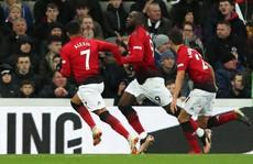 Các ngôi sao M.U như đang chọc tức Mourinho