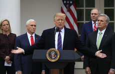 """Ông Trump dọa đóng cửa chính phủ """"nhiều năm"""""""