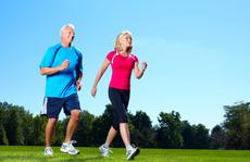 Người bị bệnh xương khớp có nên tập thể dục?