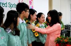 Đại học Đông Á: Trao tặng 233 vé xe Tết cho  sinh viên khó khăn
