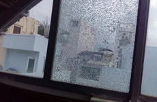 Tạm giữ kẻ bắn bể hàng loạt cửa kính ở trung tâm TP HCM