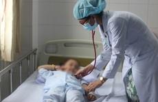 Bác sĩ khuyến cáo phụ huynh đừng bỏ qua khi thấy trẻ đau ở vùng rốn