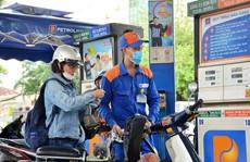 Giá xăng tăng 'sốc' gần 1.000 đồng/lít sau 4 lần giảm giá liên tiếp