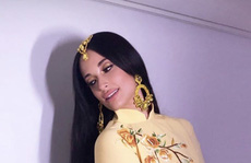 Khán giả Việt tức giận cách ca sĩ Kacey Musgraves mặc áo dài