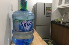 Ngăn chặn 'chặt chém' giá nước đóng chai ở Hà Nội sau vụ nước sông Đà nhiễm dầu