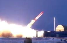 """Tên lửa hạt nhân """"bất khả chiến bại"""" của Nga gây nguy hiểm trong nhiều tháng"""