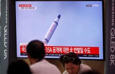 'Canh bạc' thử tên lửa của Triều Tiên