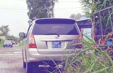 Nhiều xe biển số xanh đi ăn mừng khai trương nhà nuôi chim yến ở Kiên Giang