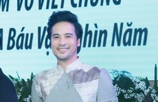 Đoàn Minh Tài làm MC kỷ niệm 25 năm của NTK Võ Việt Chung