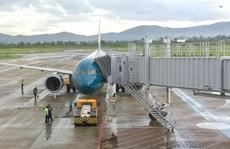 Ống lồng ở sân bay Sheremetyevo va chạm vào vỏ miệng hút động cơ máy bay Vietnam Airlines