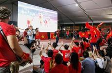 Cuộc thi sáng tác 'Bài hát cổ động bóng đá Việt Nam': Cất cao tiếng hát giữa thánh đường bóng đá
