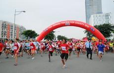 Đại sứ Anh và ca sĩ Đàm Vĩnh Hưng tham gia chương trình chạy bộ Fun Run