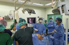 Phẫu thuật dạ dày giảm béo cho 2 người tổng cân nặng hơn 260 kg