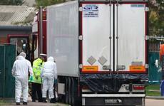 Vụ 39 thi thể trong container: Nạn nhân 'đập cửa cầu cứu, để lại dấu tay máu'