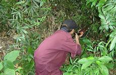 Thợ săn bắn nhầm người cùng làng vì tưởng... khỉ
