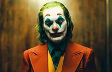 """Bất chấp tranh cãi, """"Joker"""" vẫn hốt bạc phòng vé"""