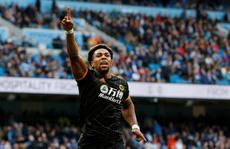 Man United gục ngã trước Newcastle