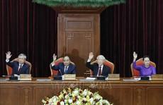 Ông Trần Quốc Vượng điều hành phiên họp toàn thể Hội nghị Trung ương 11