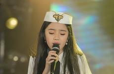 Cô bé triệu view Jennifer Thiên Nga chơi lớn hơn ca sĩ