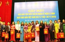 Hà Nội: Họp mặt 100 giáo viên tiêu biểu