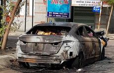 Mượn xe chưa kịp trả, chiếc ô tô con nửa tỉ đồng cháy rụi trong đêm