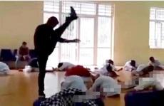 Thầy dạy võ đấm, đá, đạp liên tiếp các học trò trần tình: 'Tôi chỉ làm màu'