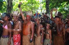 Bộ lạc hơn 4.000 người thắng tập đoàn khách sạn khổng lồ