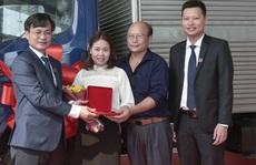 Tập đoàn Hoa Sen trao thưởng 'Mua ống nhựa Hoa Sen – Trúng ôtô Camry'