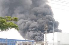 Cháy lớn ở công ty sản xuất bàn ghế sofa tại Bình Dương