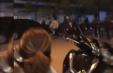 Hàng chục thanh thiếu niên 2 băng nhóm vác hung khí rượt đuổi nhau trong đêm