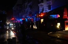 TP HCM: Cửa hàng vải ở Tân Phú bốc cháy, người dân hốt hoảng kêu cứu
