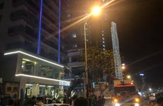Đà Nẵng: Lại huy động giải cứu kẻ ngáo đá hò hét trên nóc bệnh viện
