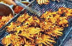 Những khu phố ẩm thực thu hút giới trẻ ở TP HCM