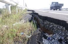 VEC nói về việc đường dẫn cầu vượt cao tốc mới làm đã nứt toác