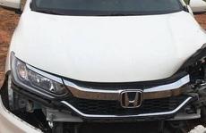 Bác sĩ điều khiển ôtô gây tai nạn, khiến 2 phụ nữ bị thương nặng rồi bỏ chạy