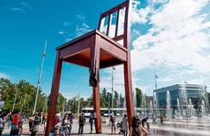 Ý nghĩa của chiếc ghế gãy đối diện trụ sở LHQ