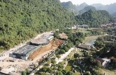 Cận cảnh công trình 'khủng' vượt phép xâm hại di sản Tràng An